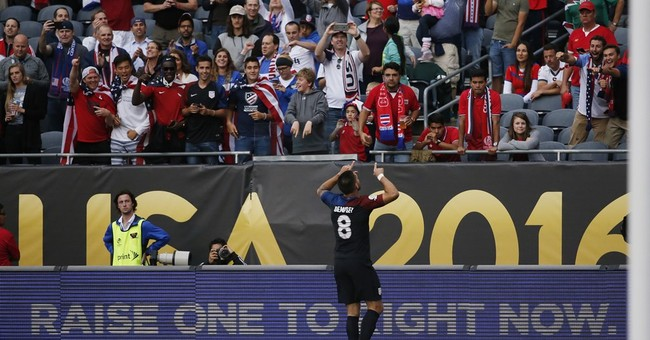 US bounces back with 4-0 victory over Costa Rica