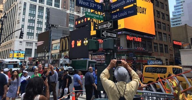 Street near Madison Square Garden becomes Muhammad Ali Way