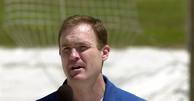 The Latest: Ex-astronaut free on bond after arrest in wreck
