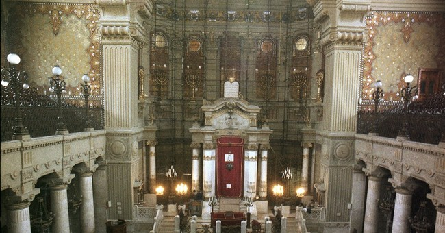 Pope to visit synagogue in sign of friendship amid questions