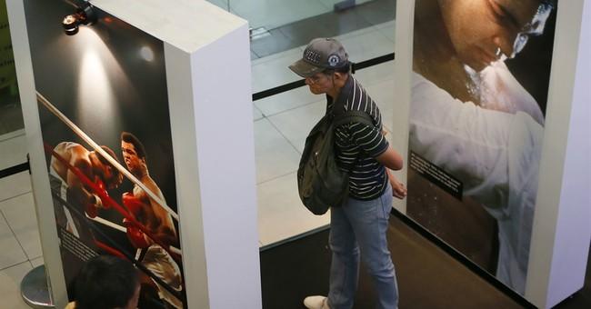"""Muhammad Ali exhibit opens in venue of """"Thrilla in Manila"""""""