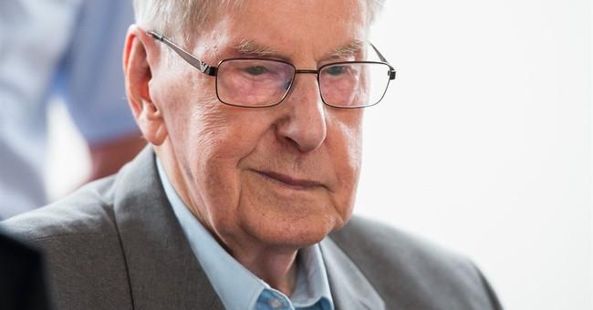 Germany: defense seeks acquittal of former Auschwitz guard