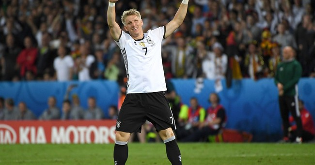 The Latest: Germany beats Ukraine 2-0 at Euro 2016