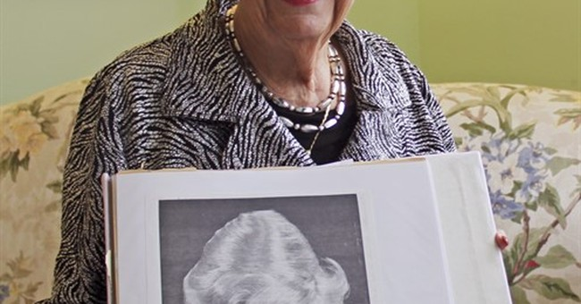 Chicago-area woman who created beehive hairdo dies at age 98