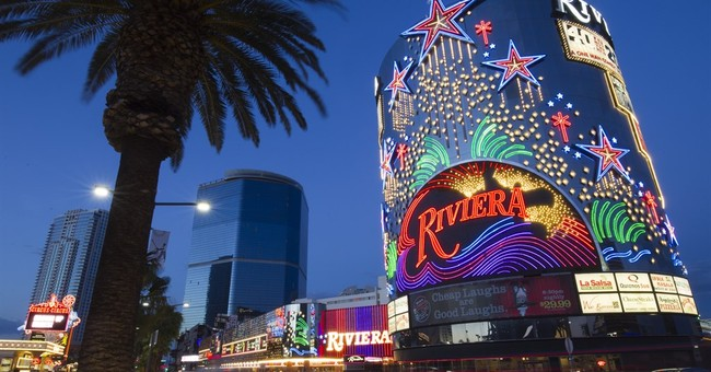 Razing Riviera casino will level part of Vegas' mobster past