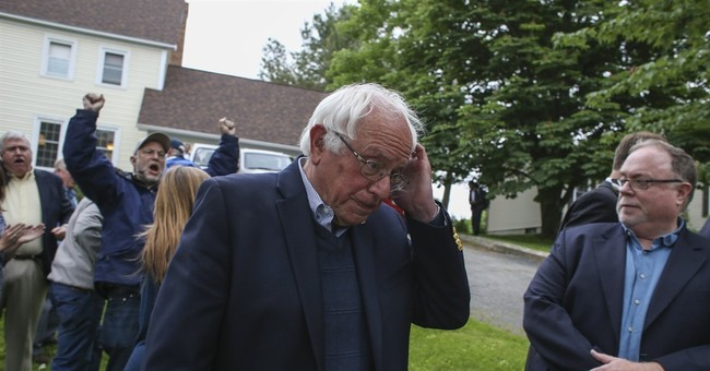 Sanders spending night of final primary meeting with Clinton