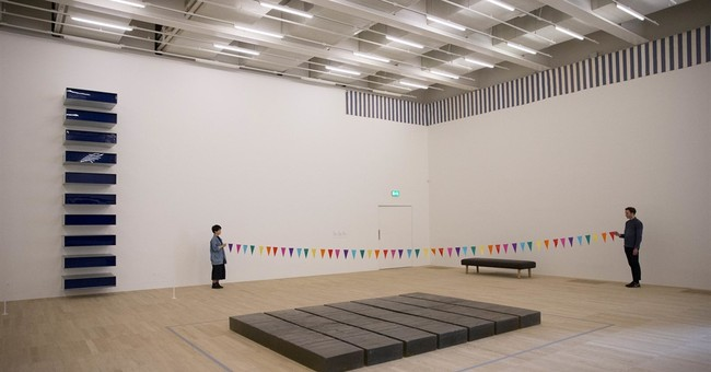 Art powerhouse Tate Modern expands with pyramid-shaped tower