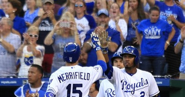 Perez homers in eighth to send KC to 3-2 win over Indians