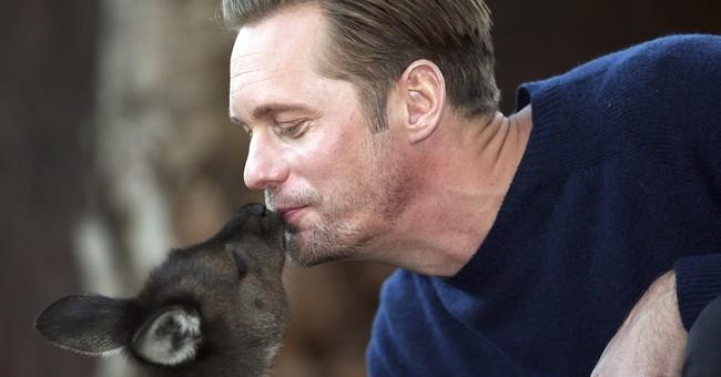 Image of Asia: Kangaroo kisses for 'Legend of Tarzan' actor