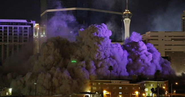 In with mobsters, Vegas' Riviera casino goes out with a bang