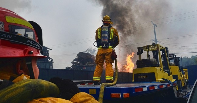 Magnesium-fed fire in Los Angeles suburb extinguished