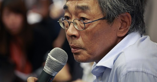 Hong Kong bookseller recounts detention in mainland China
