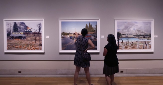 Photo exhibit at Detroit museum looks at American road trips