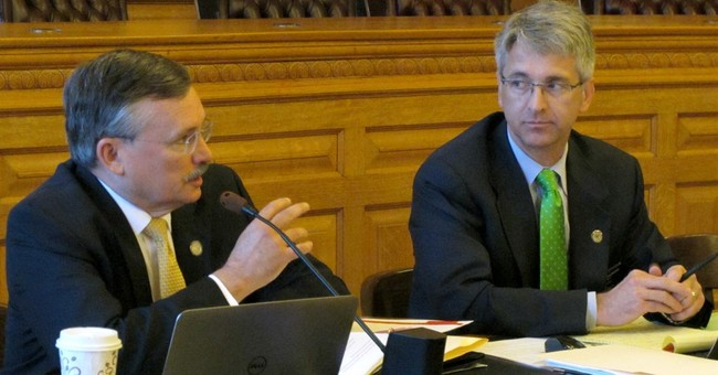 Kansas lawmakers mulling courts' power amid funding fight