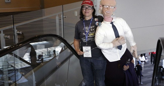 Crochet Bernie Sanders makes appearance at Wash. convention