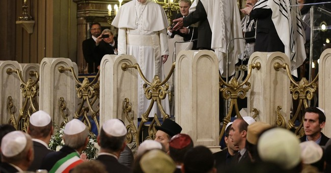 Synagogue visit: Pope denounces violence done in God's name