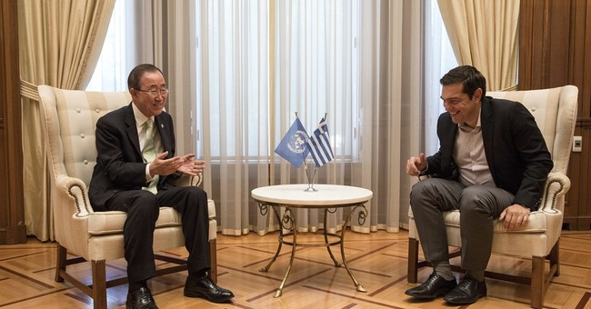 UN's Ban praises Greek efforts to assist refugees