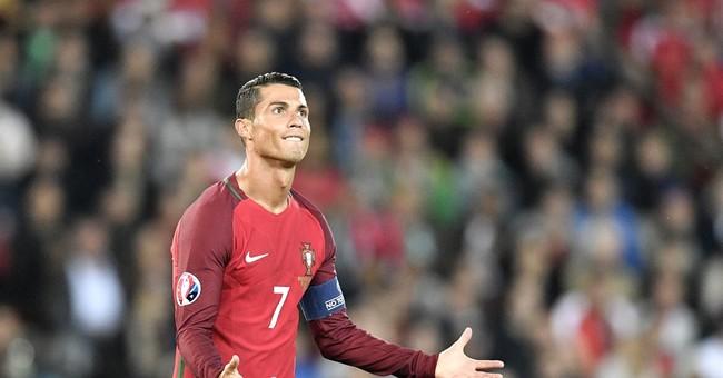 Column: Ronaldo fluffs his lines at Euro 2016