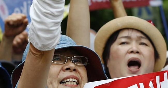 Massive protest on Okinawa opposes US military after killing