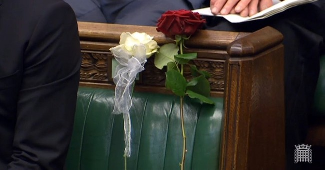Roses and tears as UK lawmakers pay tribute to slain Jo Cox