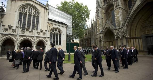Lawmakers remember Jo Cox as markets sense rising EU support