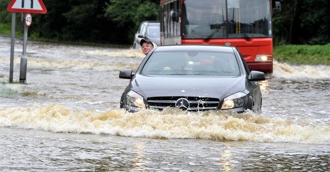 Heavy rains hit London, could hurt referendum voter turnout