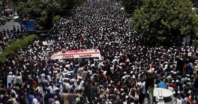 Pakistan holds funeral for Sufi singer slain by militants