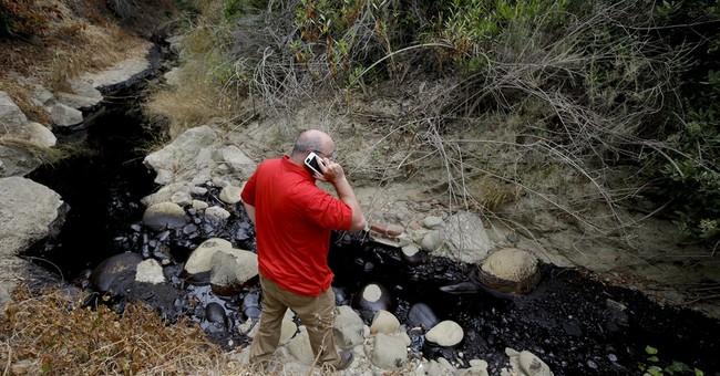 Pipeline spews crude in California but none reaches beach