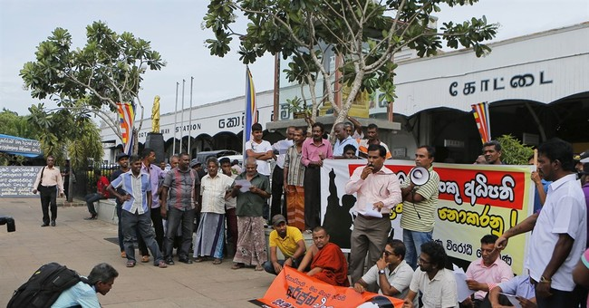 Sri Lankan lawmakers approve freedom of information law