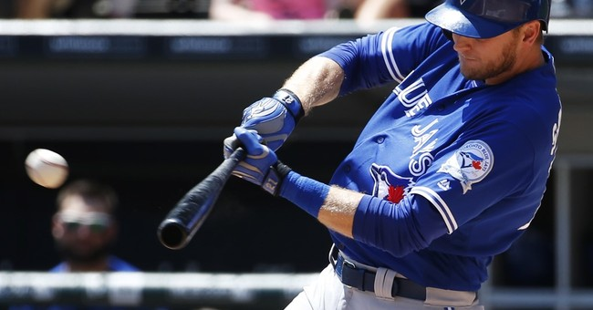 Blue Jays overcome 7 solo homers, hold off White Sox 10-8