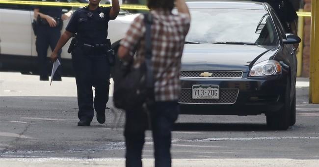 Gunman shoots 1 at downtown Denver building; kills self