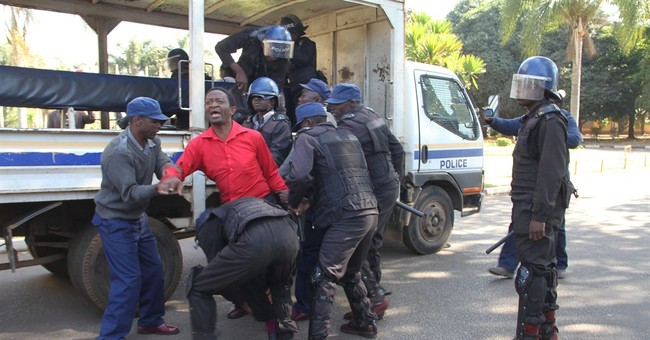 Lively video captures Zimbabwe police shutting down protest