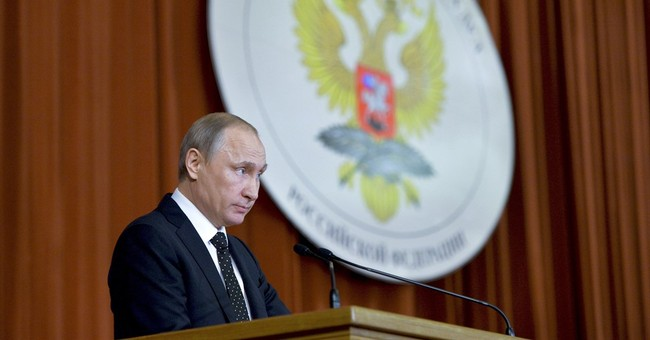 Putin issues decree to lift ban on tourism to Turkey