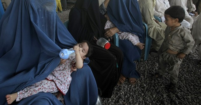 Pakistan extends stay of Afghan refugees until year end