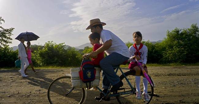 AP PHOTOS: Fidel Castro's birthplace sees rise in visitors