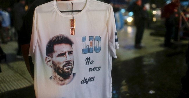 Argentines rally to urge Messi to return to national team