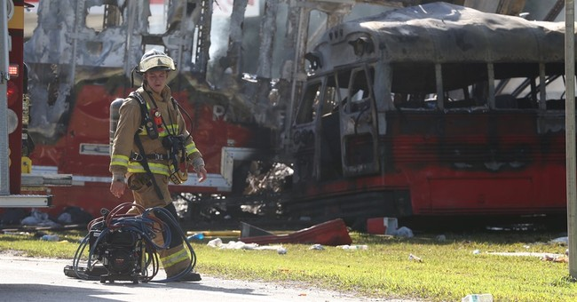 Florida authorities say 5 dead, 25 injured in Florida crash