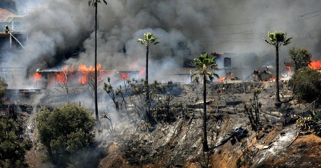 4 California National Guard helicopters fight wildfires
