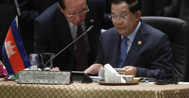 China defiant, Philippines softens as UN court set to rule