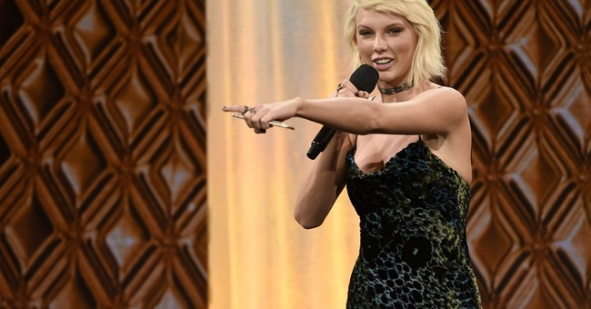 Taylor Swift hosts July Fourth bash at seaside mansion