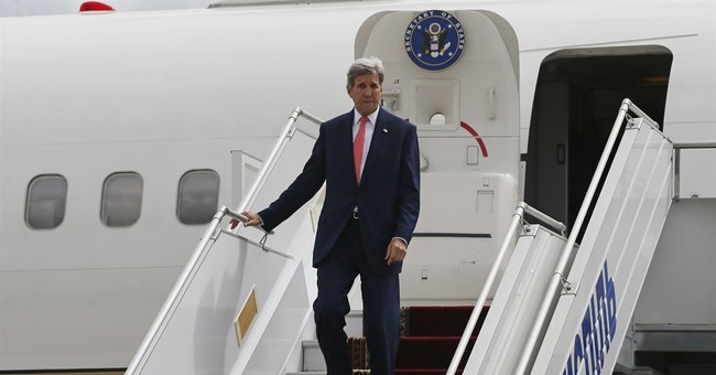 Kerry in Ukraine to offer help from United States