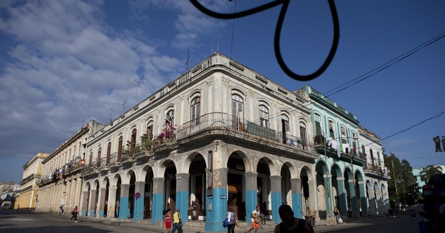 US gives tentative OK to flights to Cuba from 10 US cities