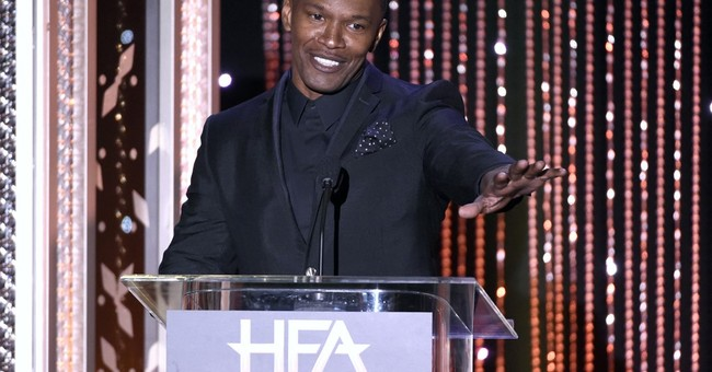 Oscar winner Jamie Foxx helps rescue driver from vehicle
