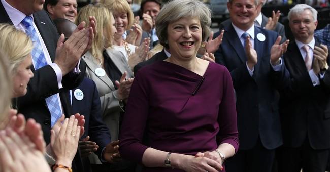Warnings of British economic downturn piling up