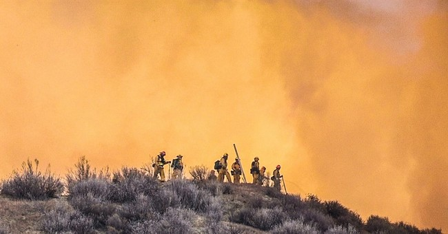 Evacuations lifted in brush fire north of Los Angeles