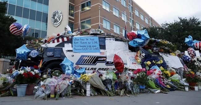 'Private' speaker, 'cops' cop' among Dallas sniper victims