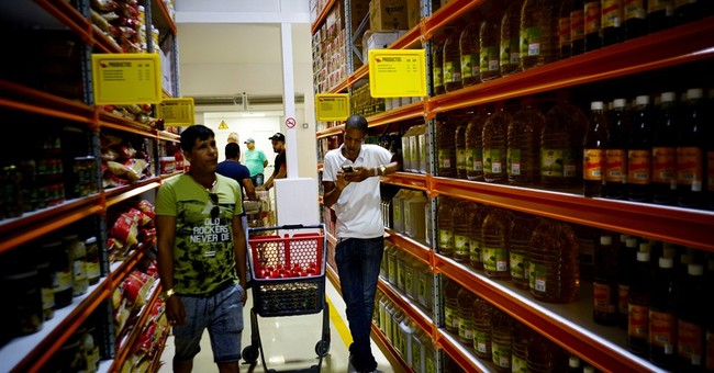 Cuba opens 1st bulk goods store, but wholesale still elusive