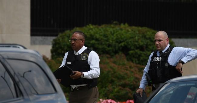 Sheriff: Inmate kills 2 bailiffs at Michigan courthouse