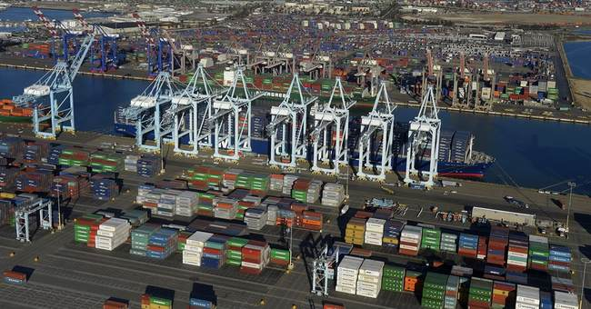 Los Angeles names pollution-reduction panel for port