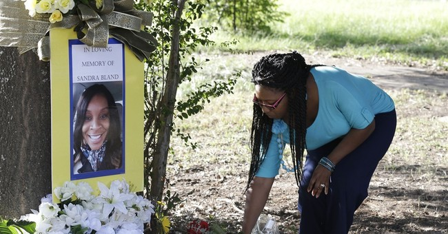 Vigil held to mark 1-year anniversary of Sandra Bland death